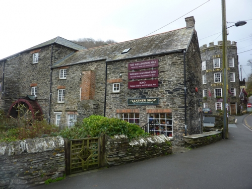 Boho art and crafts in Boscastle Cornwall